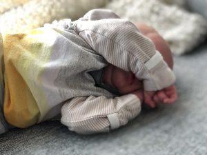 Vauva kolmen viikon iässä