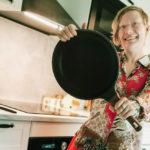 Pannu kouraan ja kokkaamaan kaikettomia lettuja